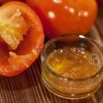 Tomato and honey for glowing skin